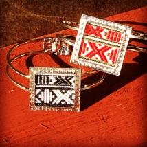 Armband med dalaband